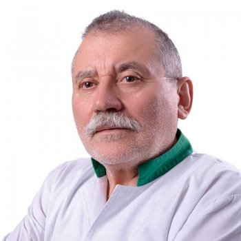Dr. Barna Manole